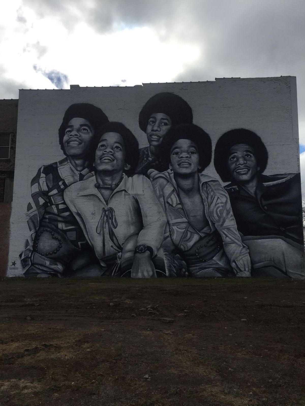 Mural in downtown gary finished for Jackson 5 mural