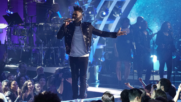 Jason Derulo performed a tribute to Michael Jackson  