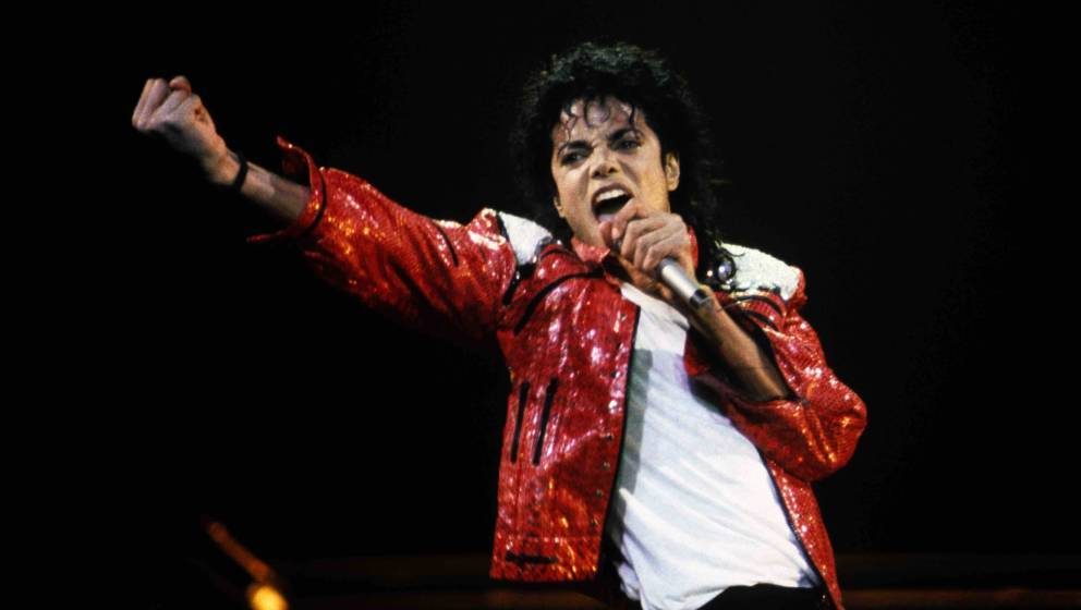"Mon ami Michael - Le roi de la pop a 60 ans"" documentaire Michael-jackson-gettyimages-88688373-992x560"