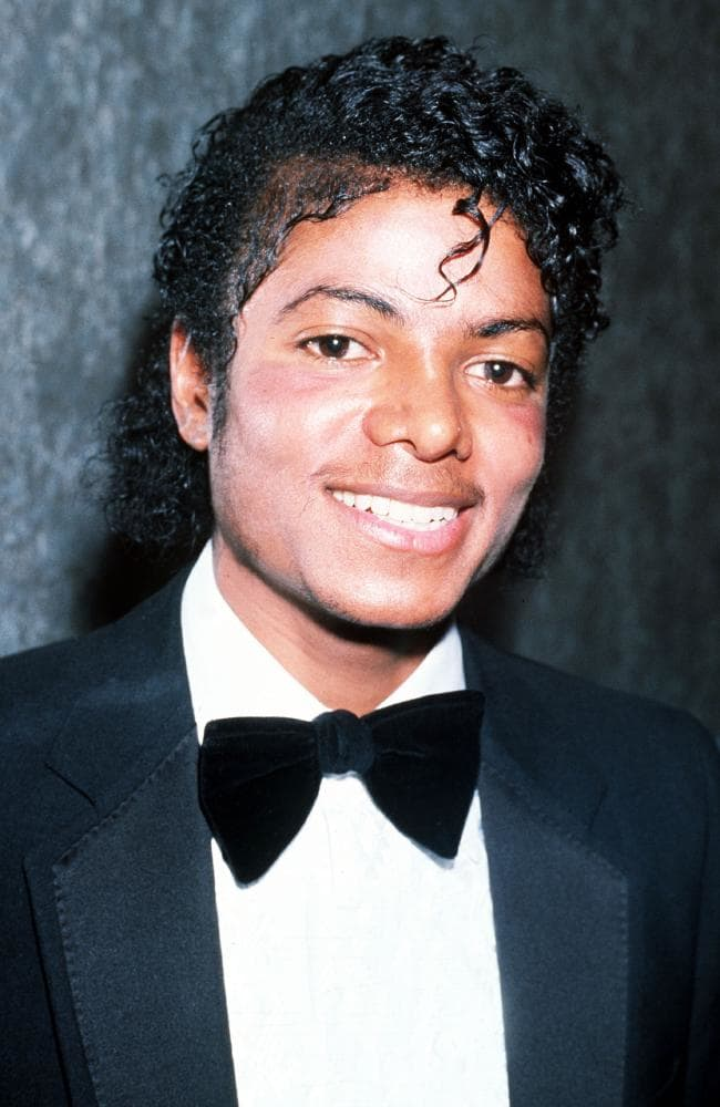 Témoignages de gens qui ont côtoyé ou rencontré Michael. Artistes, des gens qui ont travaillé avec lui, ou pour lui, des amis, de gens de sa famille etc... - Page 21 Photo1