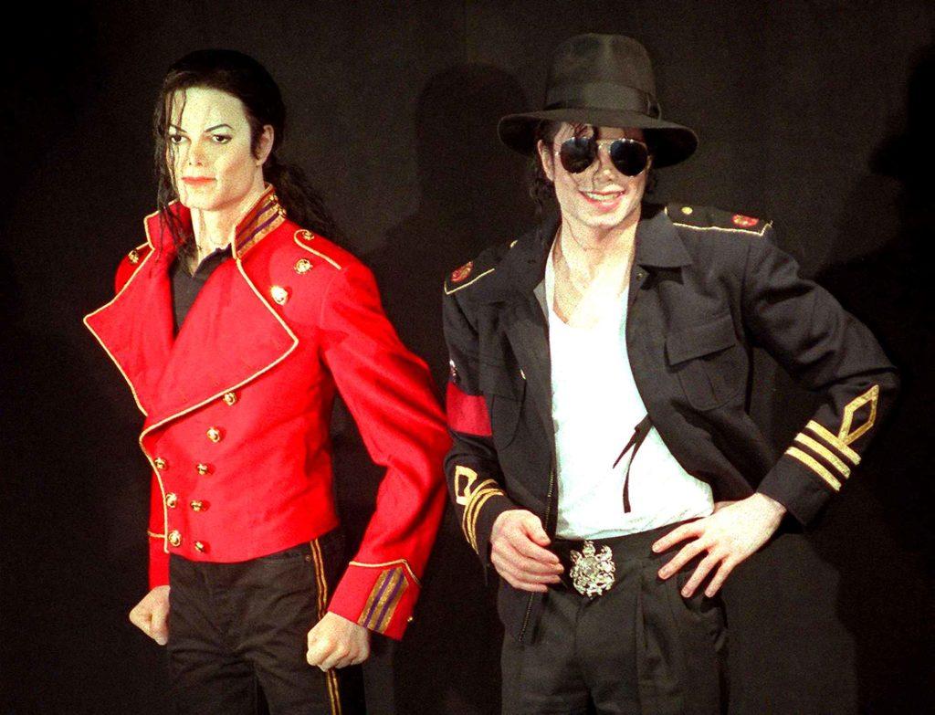 Hommages divers à  MJ.......... - Page 8 Grevin-4-1024x783