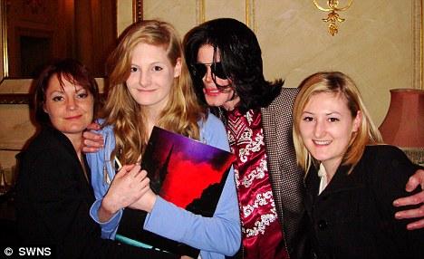 Témoignages de gens qui ont côtoyé ou rencontré Michael. Artistes, des gens qui ont travaillé avec lui, ou pour lui, des amis, de gens de sa famille etc... - Page 21 Lucie-01