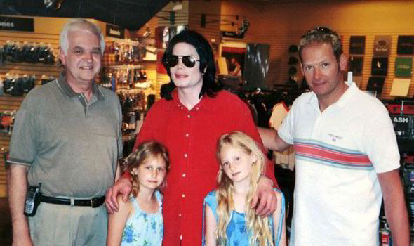 Témoignages de gens qui ont côtoyé ou rencontré Michael. Artistes, des gens qui ont travaillé avec lui, ou pour lui, des amis, de gens de sa famille etc... - Page 21 Lucie-02