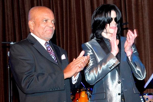 Motown a publié une chanson inédite du Jackson 5 Berry-Gordy-and-MJ