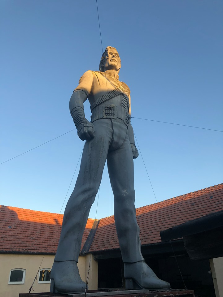 HIsotry-Statue-on-sale.jpg